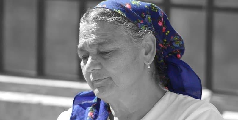 אישה מבוגרת - משכנתא הפוכה