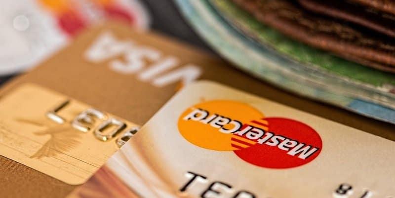 עמלת תיווך מכירת דירה - מזומן או אשראי