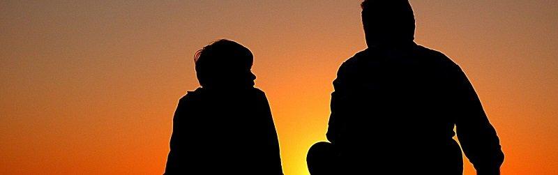 העברת דירה במתנה לילדים - אבא ובן