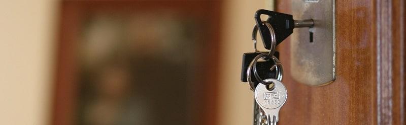משכנתא להשקעה - דלת כניסה לבית