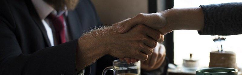 הסכם קומבינציה - לחיצת ידיים והסכמה